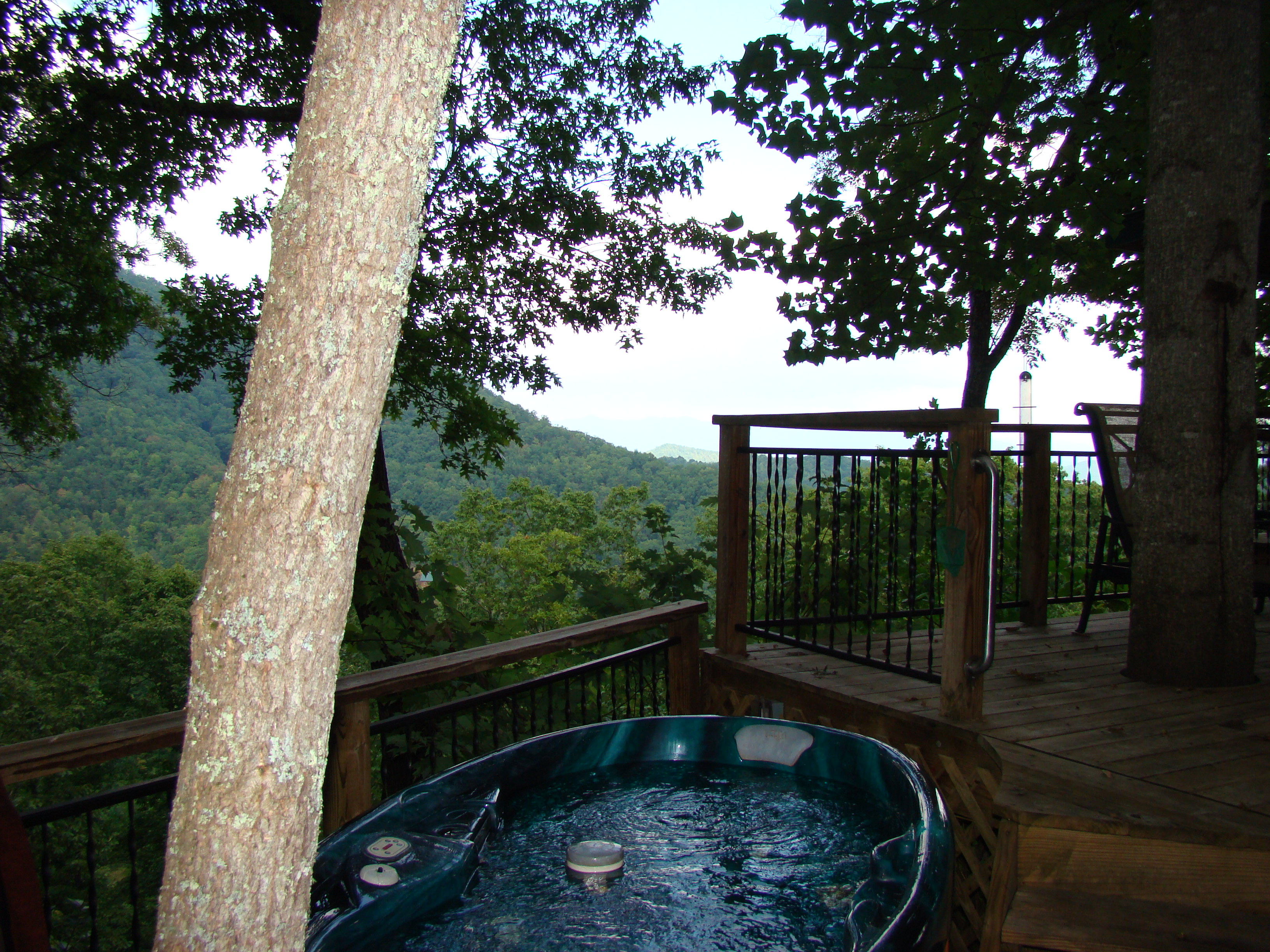 rent lake jacuzzi big cabins rental california wv with in tub cabin deals for hot sale log lakefront bear